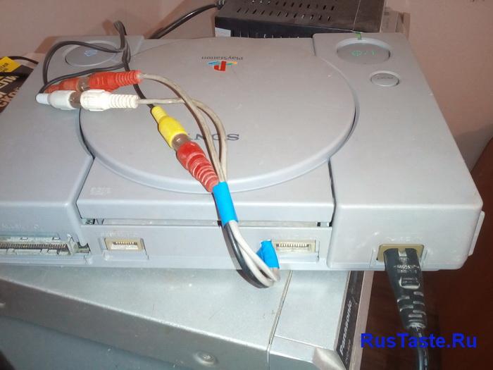 Вывел провода из Sony PlayStation