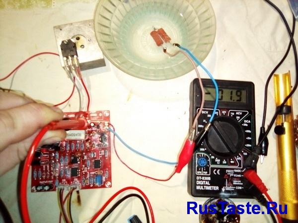 Падение на транзисторе 1,9В
