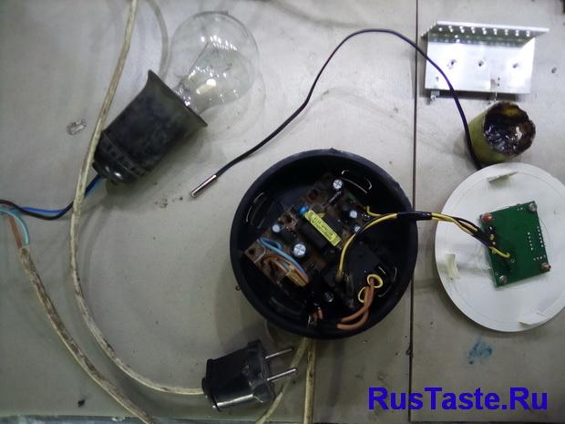 Установка терморегулятора в корпус