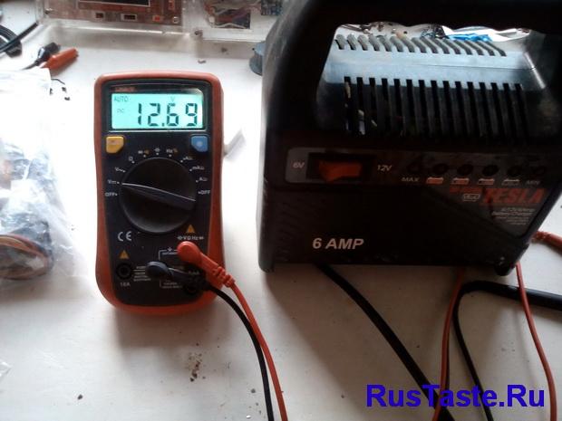 Зарядка ЗУ-15860. Напряжение для зарядки 12В АКБ